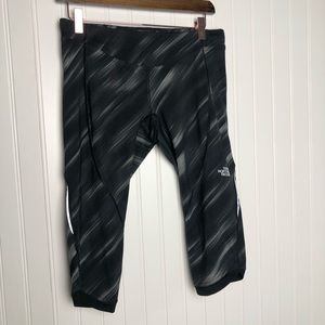 The north face cropped athletic work out leggings